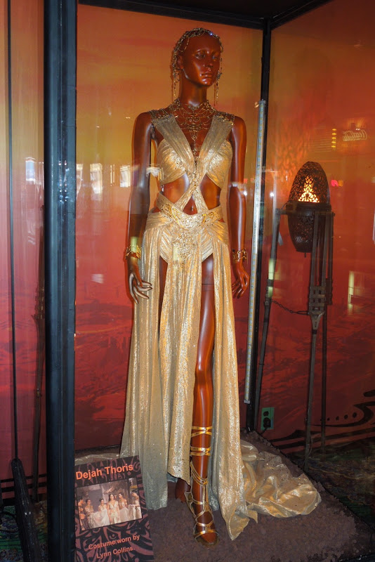 John Carter's Dejah Thoris wedding outfit and jewelry on ...