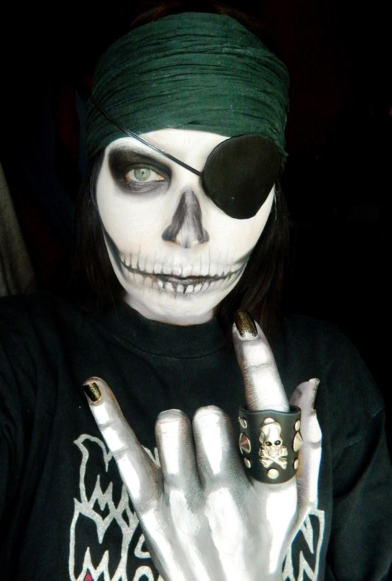 Un classique d 39 halloween le squelette jenni dans tous ses tats - Maquillage pirate halloween ...