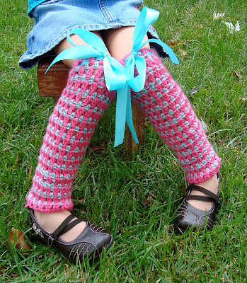 free crochet pattern cluster and stripe legwarmer