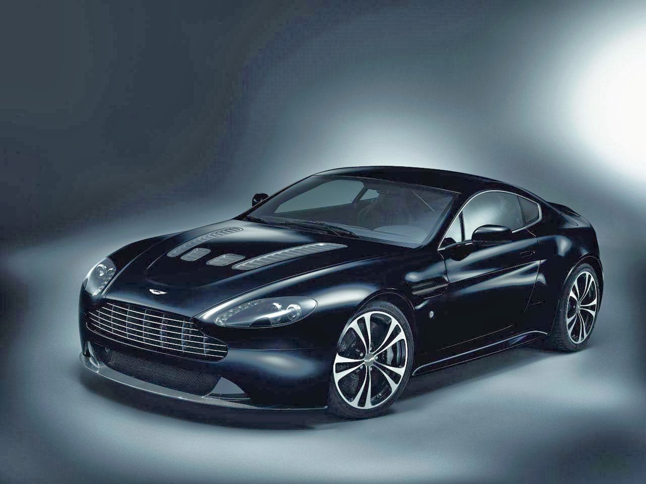 aston martin vantage photos review. Black Bedroom Furniture Sets. Home Design Ideas