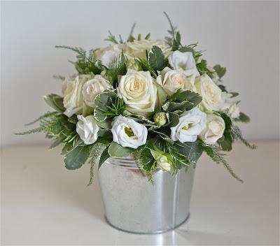 wedding flowers blog kelly 39 s vintage cream ivory and. Black Bedroom Furniture Sets. Home Design Ideas