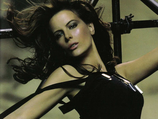 Kate Beckinsale have a beautiful face