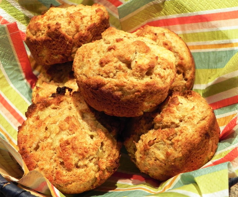 The Iowa Housewife: Whole Wheat Pineapple Muffins