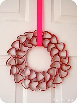 Corona de corazones rojos para dia de san valentin
