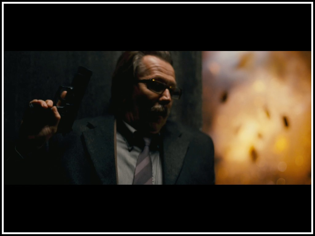 http://2.bp.blogspot.com/--BHb3Krtobw/UBl6sqWScoI/AAAAAAAABr8/VgLvRBlb5pI/s1600/gary-oldman-as-jim-gordon-in-the-dark-knight.jpg