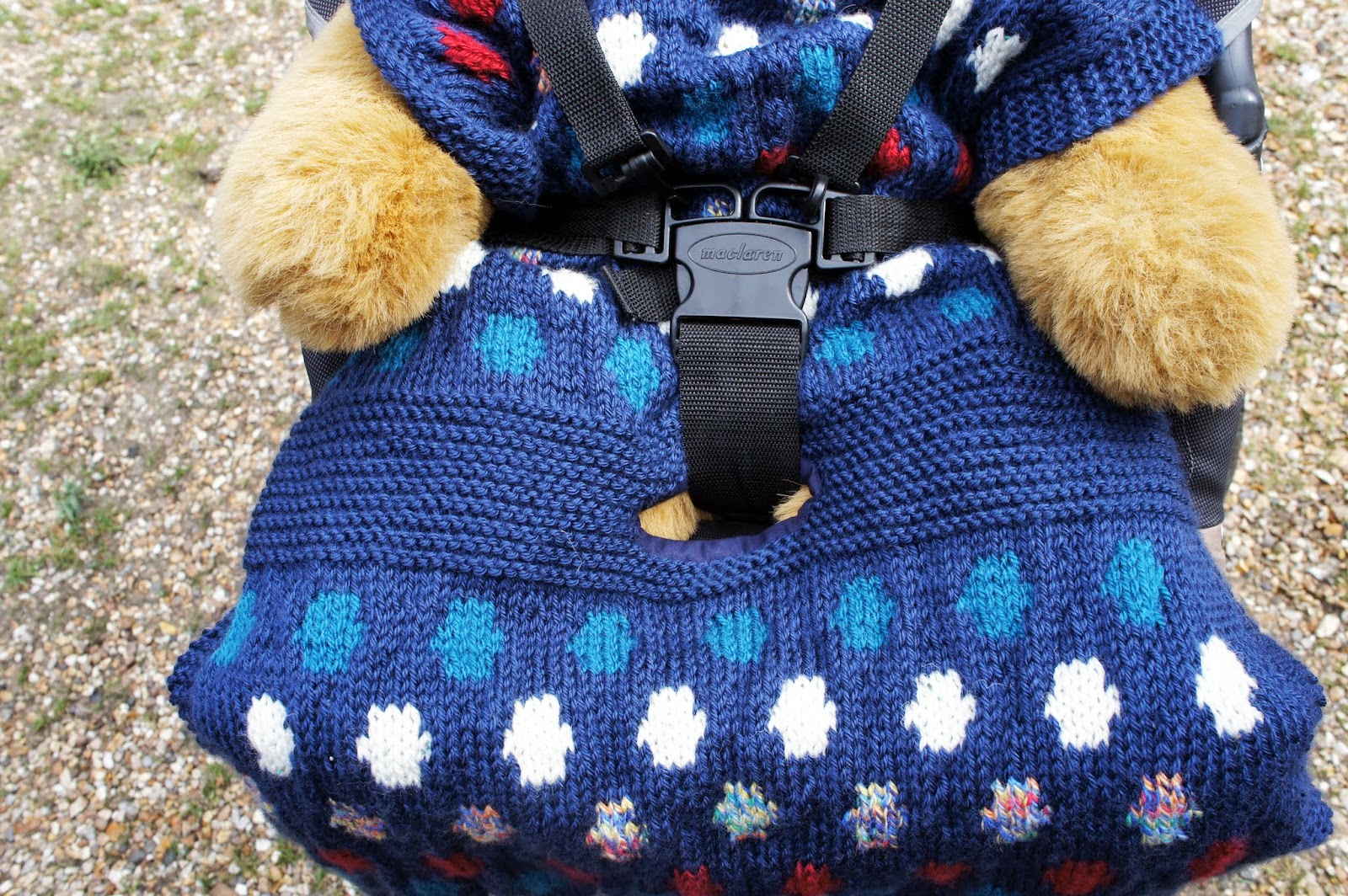 Car Seat Blanket Knitting Pattern : GRANNYS WORLD: Going dotty