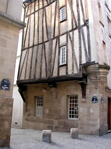 dicas pr ticas de franc s para brasileiros um passeio pela paris medieval. Black Bedroom Furniture Sets. Home Design Ideas