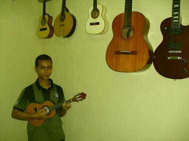 Prof. Renato Araujo ( Cavaco,Banjo e Bandolin) Facebook