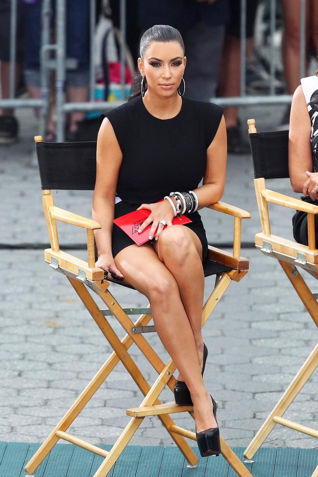 http://2.bp.blogspot.com/--C_sLNCixLU/TtjUkgebKeI/AAAAAAAADLA/M3iQqIW1Xys/s1600/kim_kardashian_11.jpg