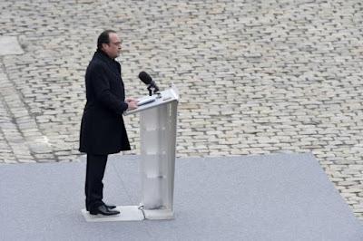 buongiornolink - Parigi piange le vittime del 1311 bandiere tricolori alle finestra per il solenne omaggio