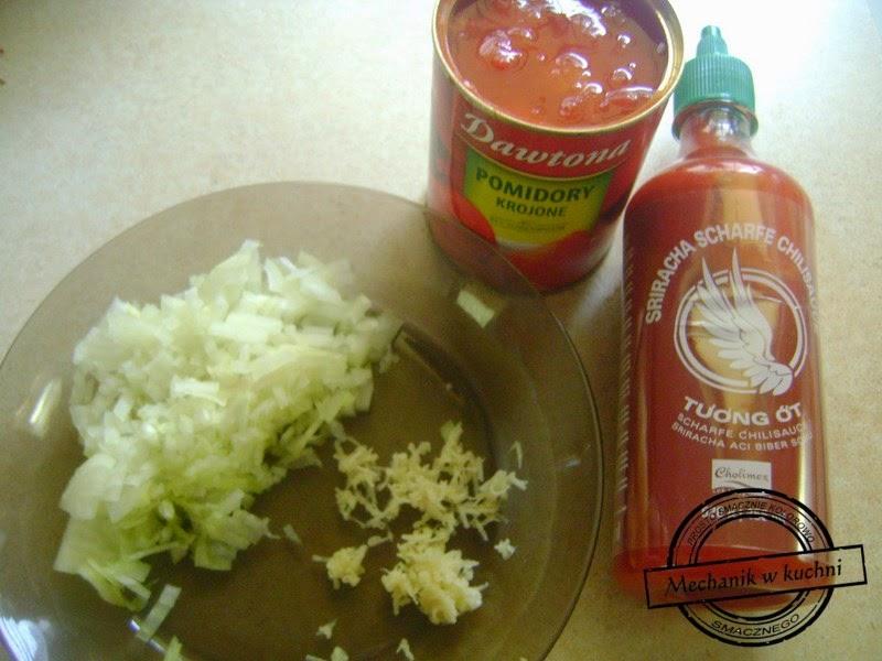 Niesamowicie pikantny kurczak w pomidorach mechanik w kuchni