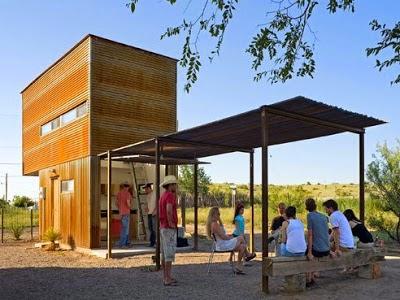 บ้านสีเขียวchitecture-steel-box-tiny-house-only