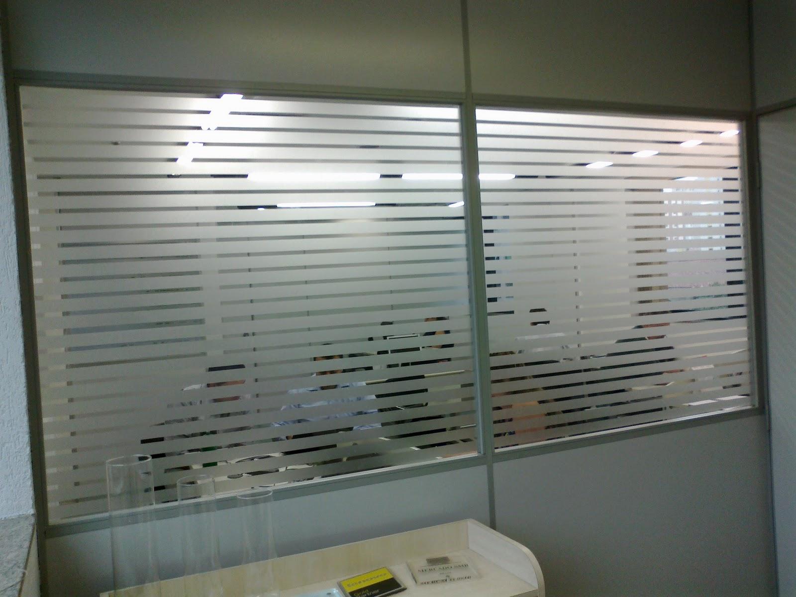 #586873 Adesivo jateado para Vidro / Divisórias / Janelas / Box (informática  736 Janelas Vidro Jateado