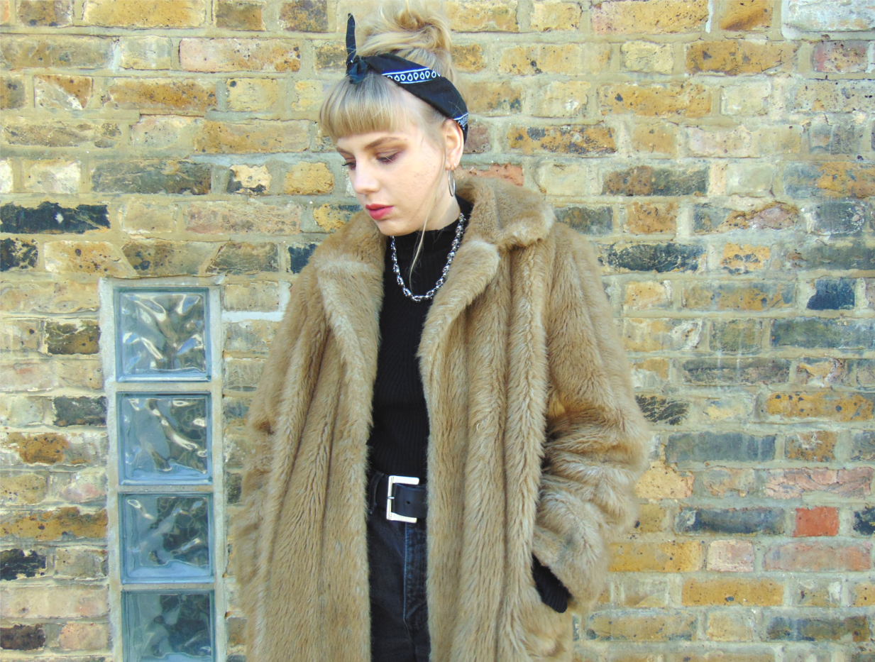 faux fur camel coat, oversized faux fur coat, roll neck polo neck jumper, bandana, nike air force one, black levi vintage denim shorts, fishnet tights, alternative vintage fashion style inspiration