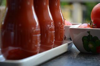 Tomaten in sapfles inmaken