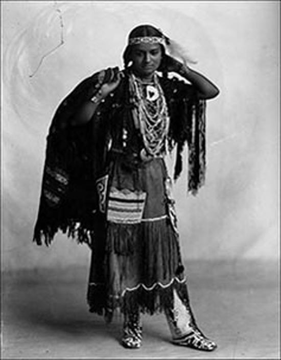 Краснокожие красавицы, старинные фотографии индейских девушек и современные