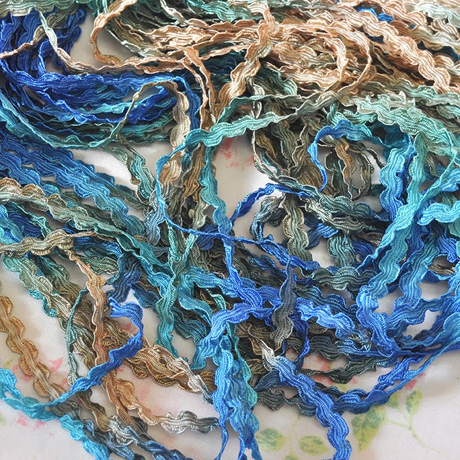 Rococo Ribbon in Hydrangea