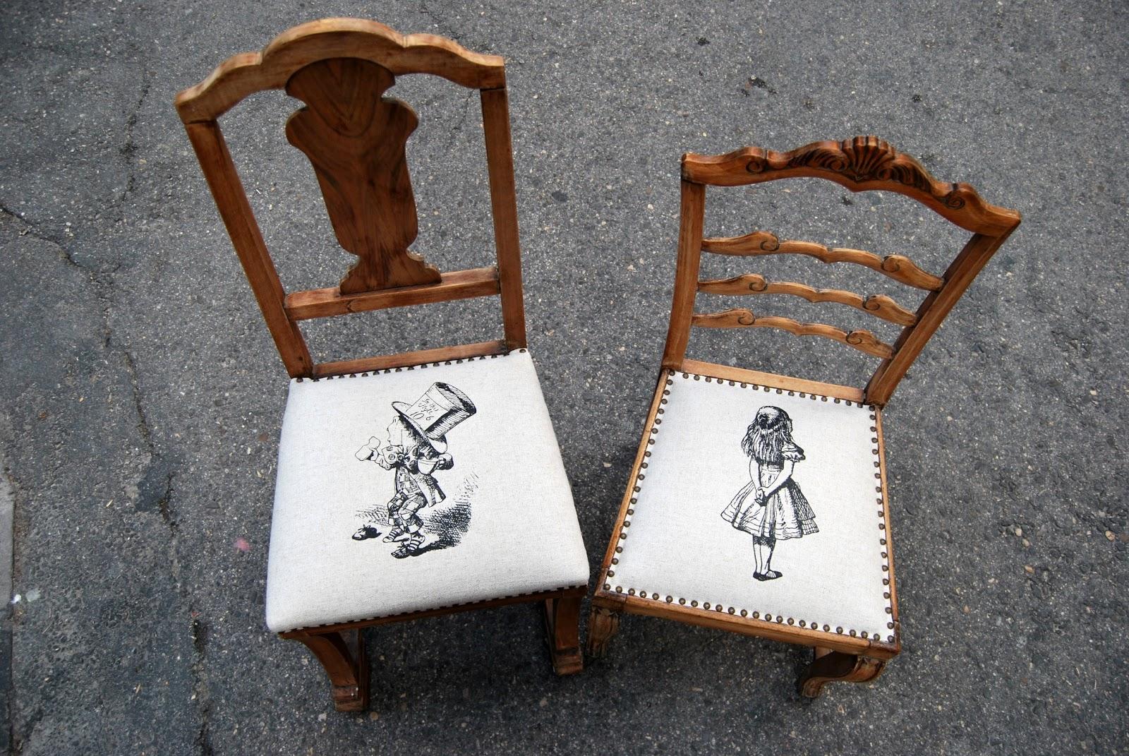 Sillas tapizadas con alicia y sombrerero la tapicera for Sillas con apoyabrazos tapizadas