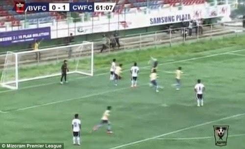 VIDEO Pemain Bola Sepak Maut Selepas Buat Aksi Akrobatik