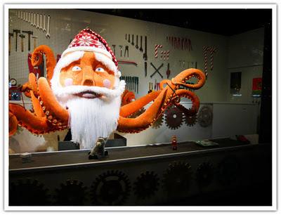 NK julskyltning leksaksfabriken
