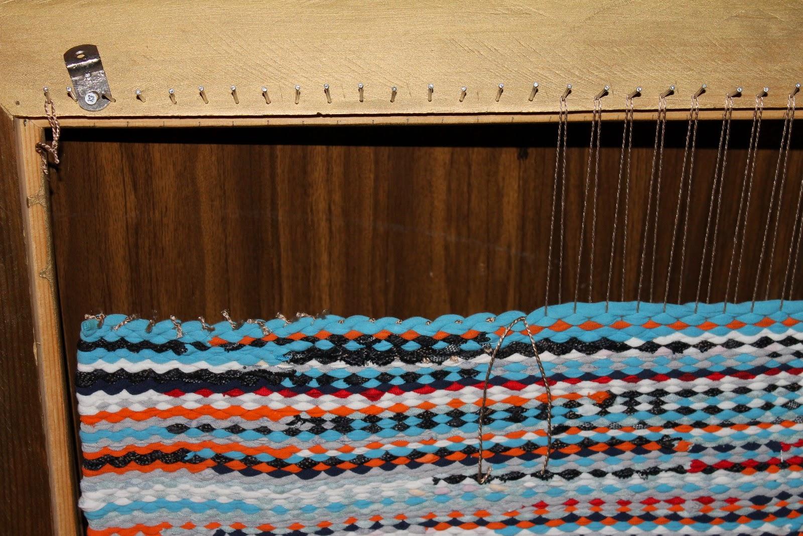 Коврики, вязанные крючком из старых вещей: как связать