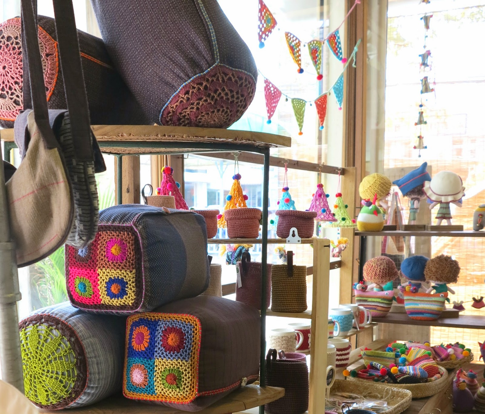 ByHaafner, crochet, Bantakor, Chiang Mai, fairtrade,granny square, bunting, garland