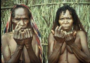 Memotong jari sebagai ungkapan kesedihan...!!!