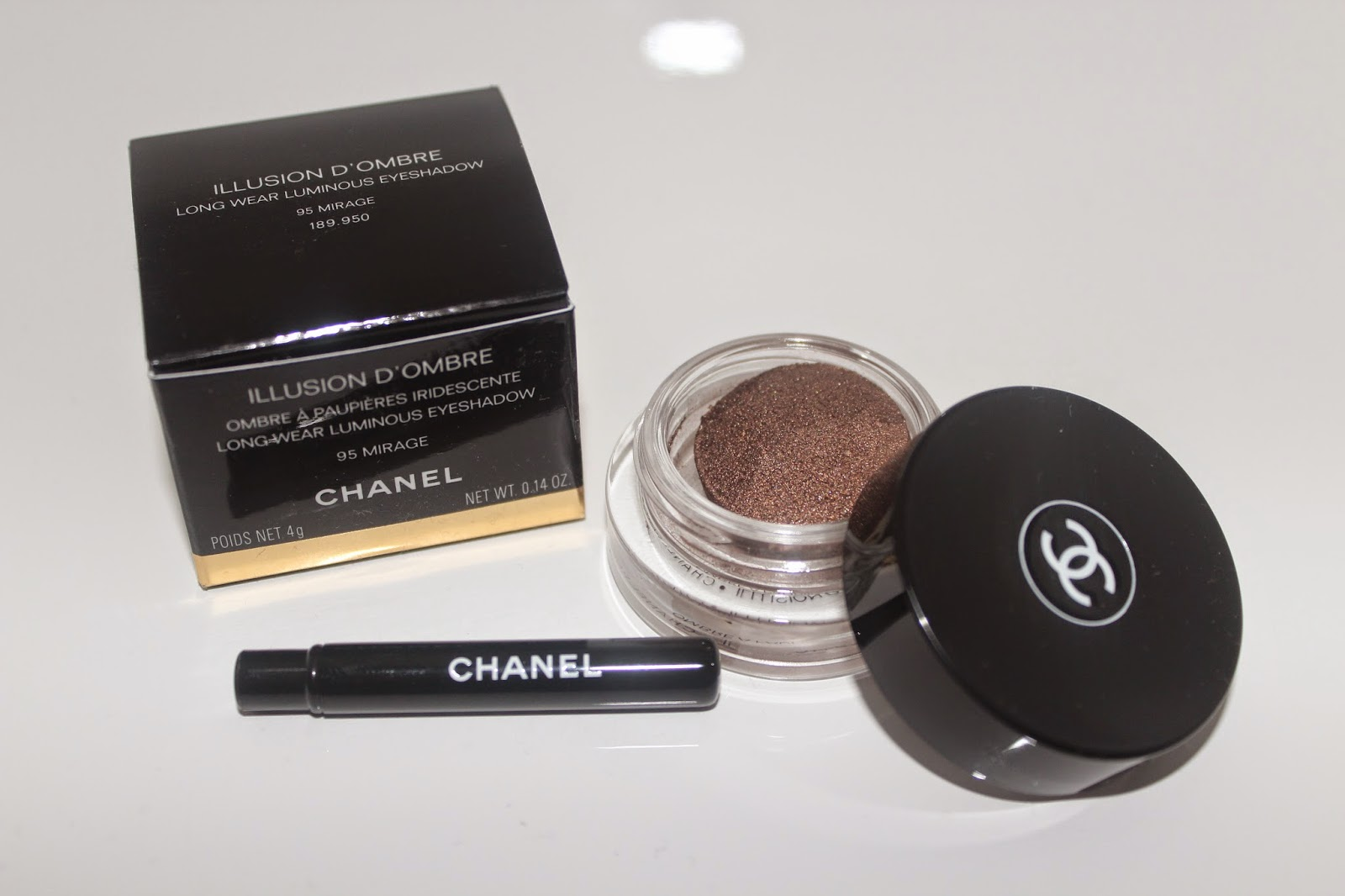 Ites With A Mini Chanel Eyeshadow Brush But To Be Honest, Because The  Texture Is So Creamy I Prefer To Actually Apply It Using My Finger