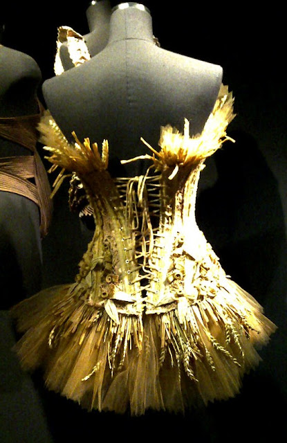 Montr%25C3%25A9al 20110925 00748 MONTREAL COUTURE:  GAULTIER CORSETS, CLASSICS, AND DETAILS