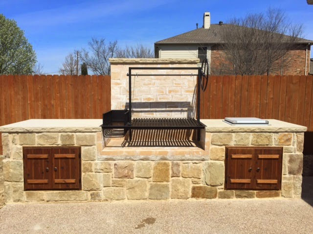 Outdoor kitchen with Argentine Grill Kit in Texas