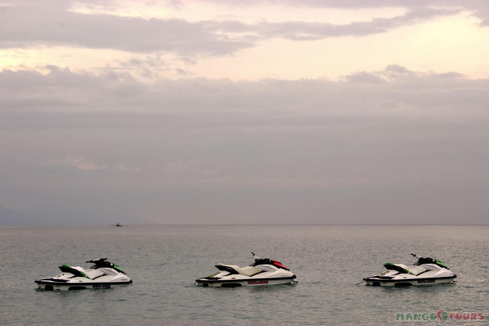 Puerto Galera Buri Resort & Spa Restaurant Mango Tours Philippines Jet ski water sport activities