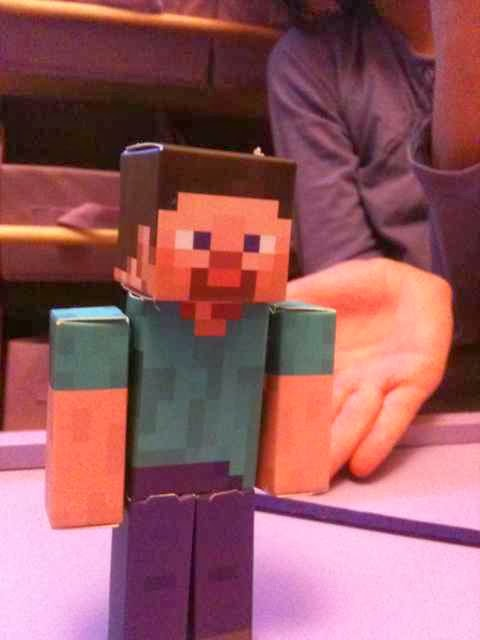 Minecraft paper craft shelter Steve