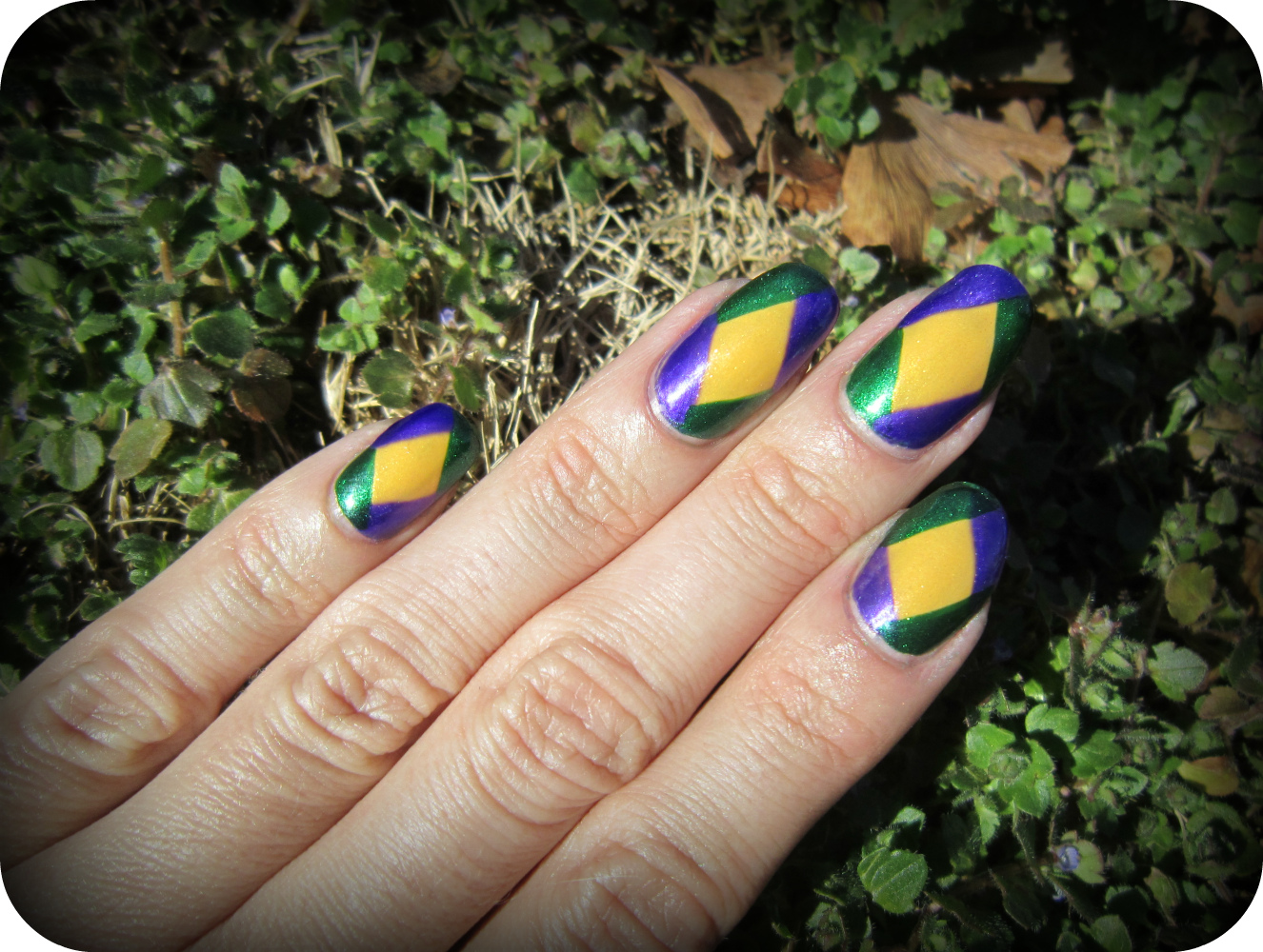 Concrete and Nail Polish: Mardi Gras Nails