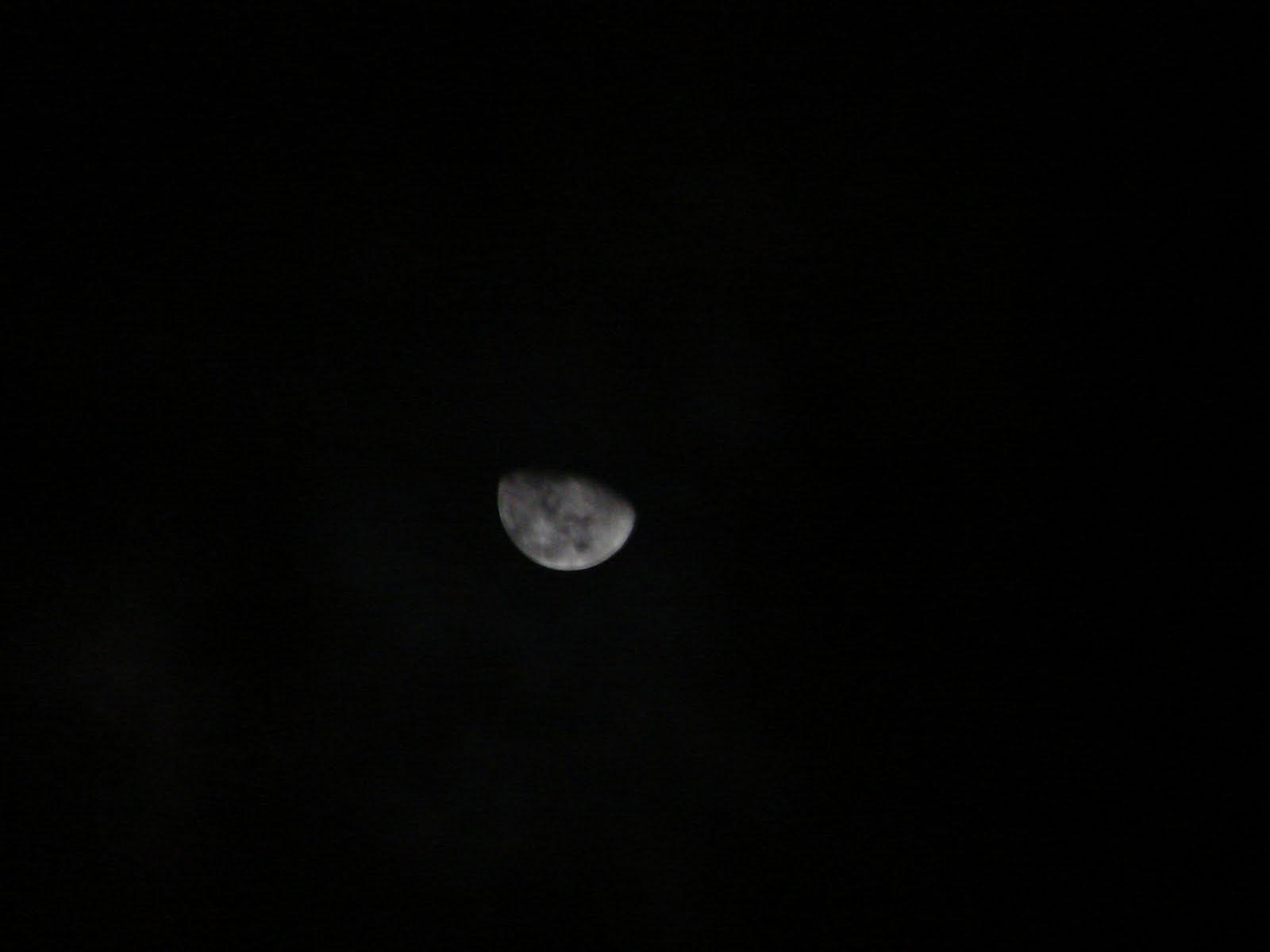 ATENCION-21-junio-22-23-24-25-26-27...2011 la LUNA con cruz blanca en el fondo sec UFO alineado
