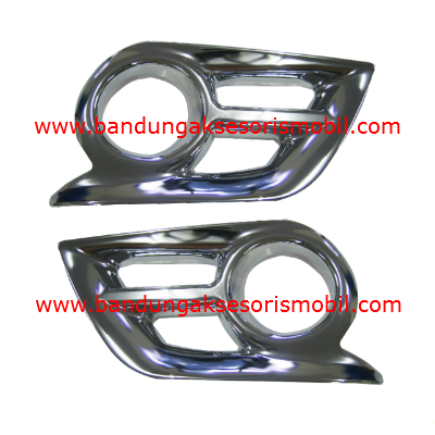 Cover Foglamp Hilux 2012