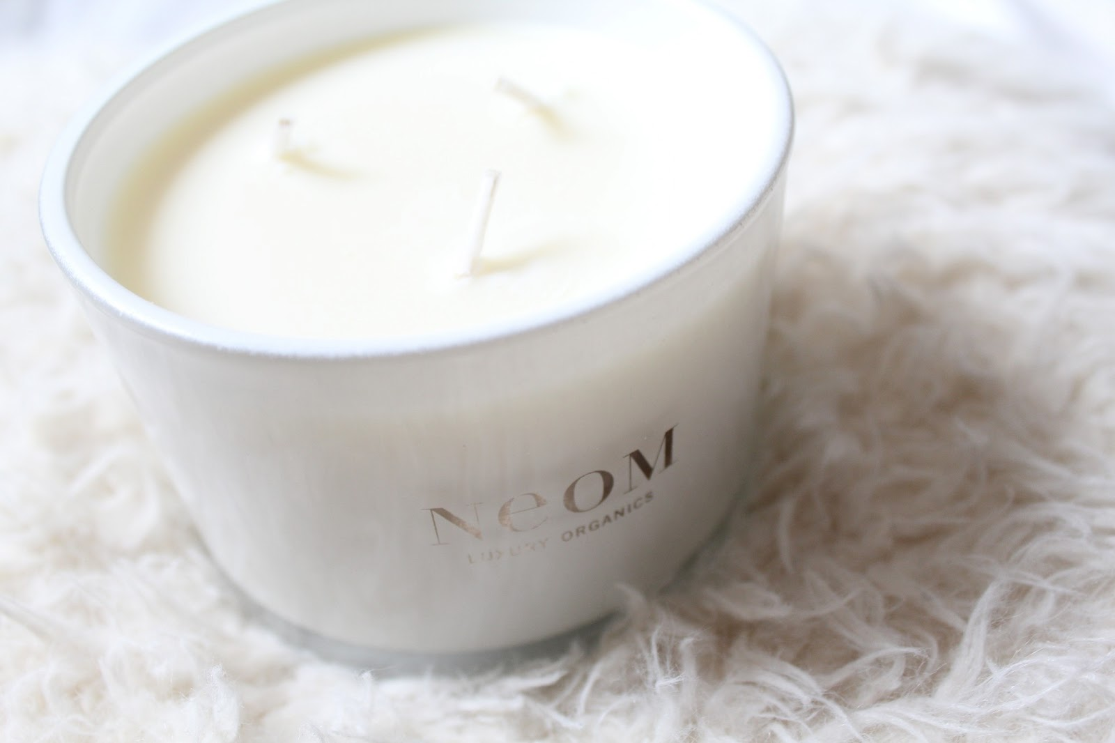 Neom Luxury Organics Enchantment Bluebell Candle