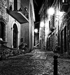 Vicolo San Costanzo di notte