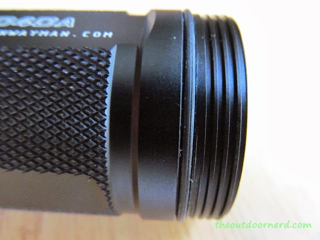 Sunwayman D40A [4xAA Flashlight] - Threads