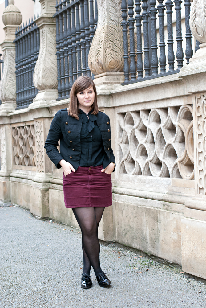 military blazer mini skirt outfit
