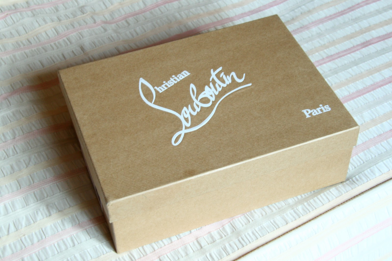 scatola+louboutin.jpg