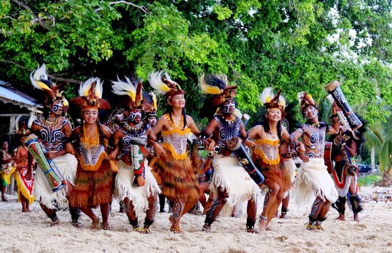 """Mengenal Budaya Papua ~ Tombatu = Tonsawang """"Tuama Toundanouw"""""""