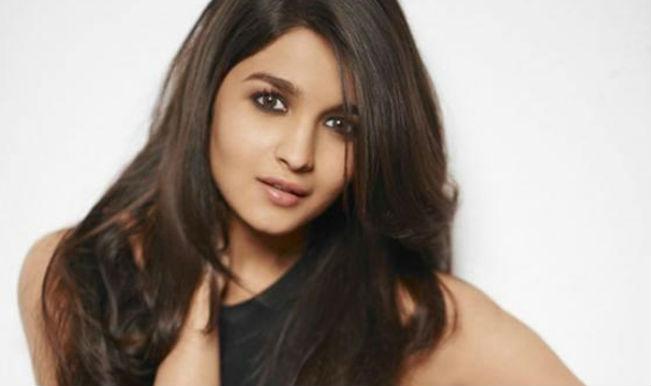 Celebrities Alia Bhatt Biography Anushka sharma and alia bhatt duplicate found: celebrities blogger
