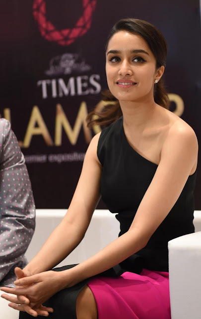 Shraddha Kapoor Looks Super Sexy At The Inauguration Of 14th Glamour Jewellery Exhibition 2015 in Mumbai