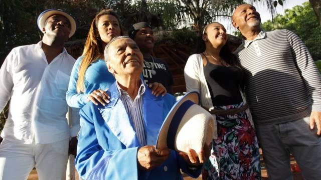 Integrante da escola Portela compõe samba enredo gospel
