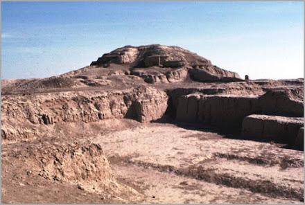 Zigurat o templo de An en Uruk. El Destino del Hombre (pobre)