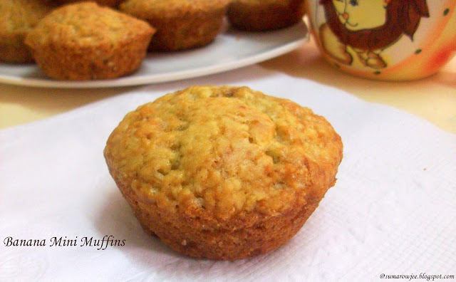Cakes And More!: Banana Mini Muffins