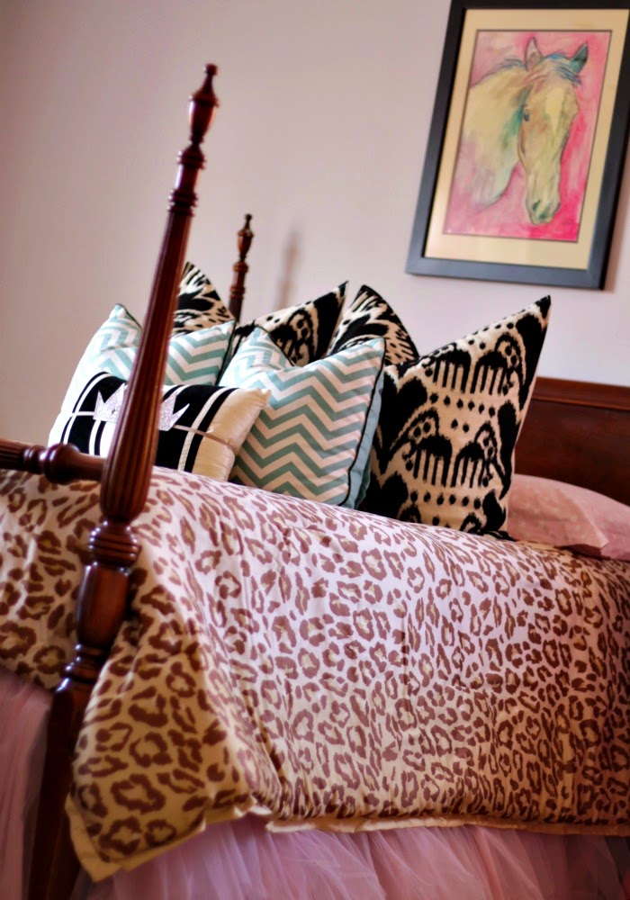 leopard bedding in a little girl's room