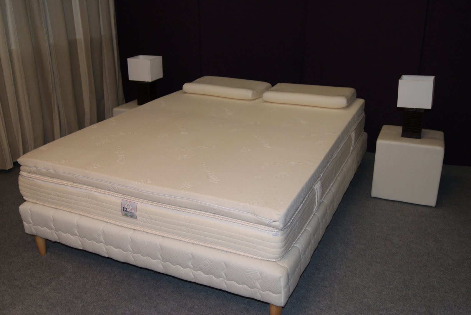 atelier de morph e nouveaute le sur matelas m moire de forme. Black Bedroom Furniture Sets. Home Design Ideas