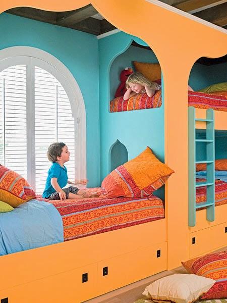 Habitación infantil árabe de color naranja