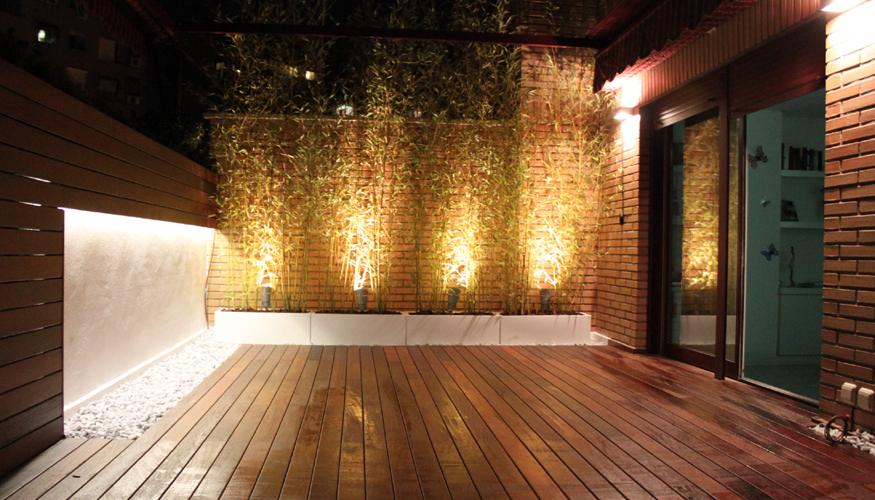 Missjardin un jard n en el tico con iluminaci n for Luces de jardin exterior
